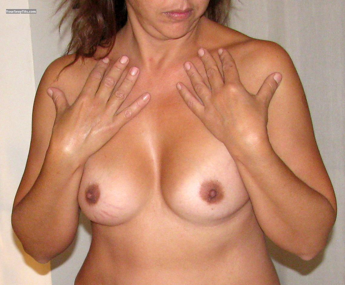 Medium Tits MoglieNuda