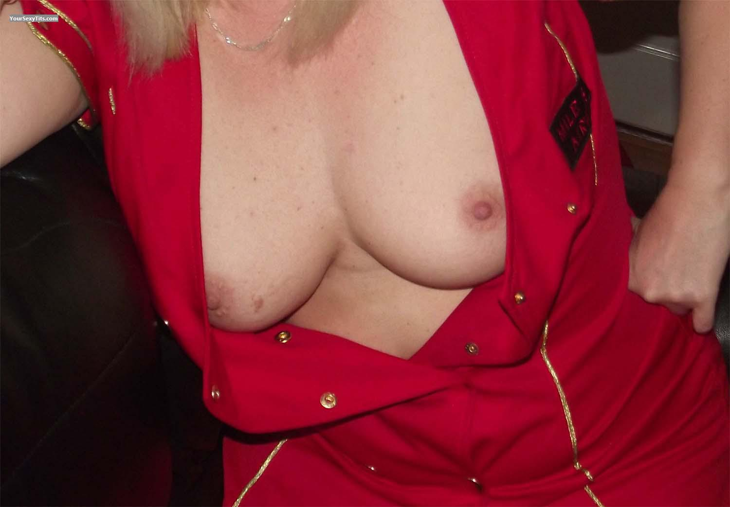 Tit Flash: Medium Tits - Uk-2 from United Kingdom