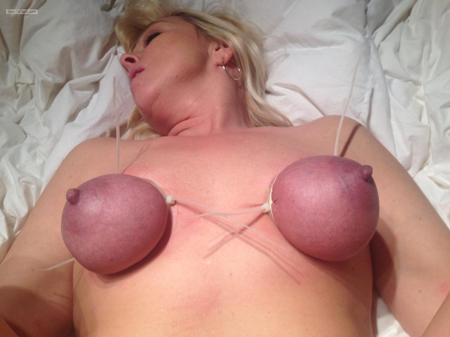 Tit Flash: My Medium Tits - Topless Hotnhonry4u from United States