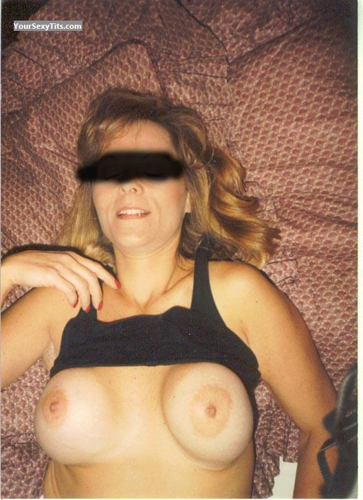 Tit Flash: Medium Tits - Easton from United States