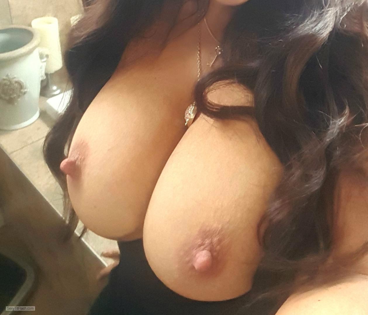 my medium tits (selfie) - kayla from united states tit flash id 237671