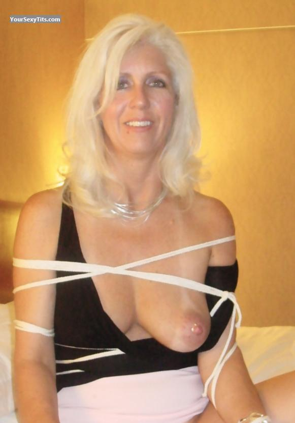 Tit Flash: Medium Tits - Topless Lisa from United States