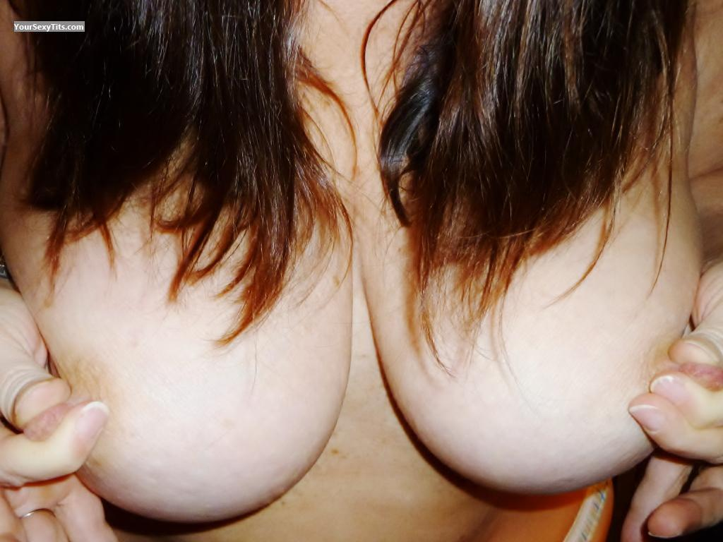Medium Tits Of My Wife BritsGal