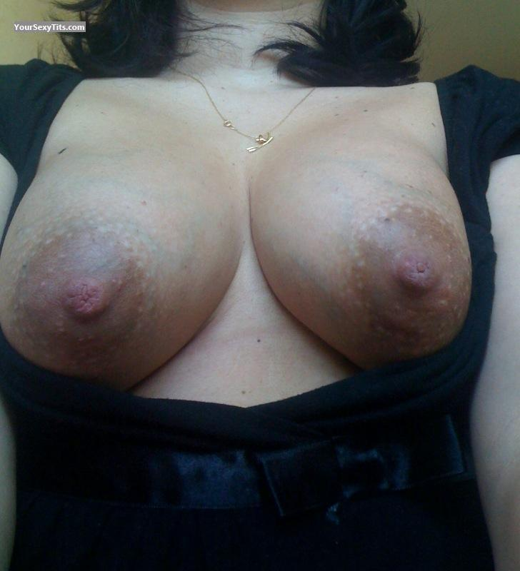 Tit Flash: Medium Tits - Nanie from France