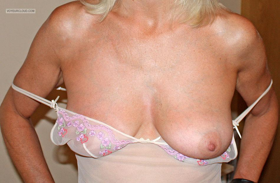 Tit Flash: My Medium Tits - Josephine from United Kingdom