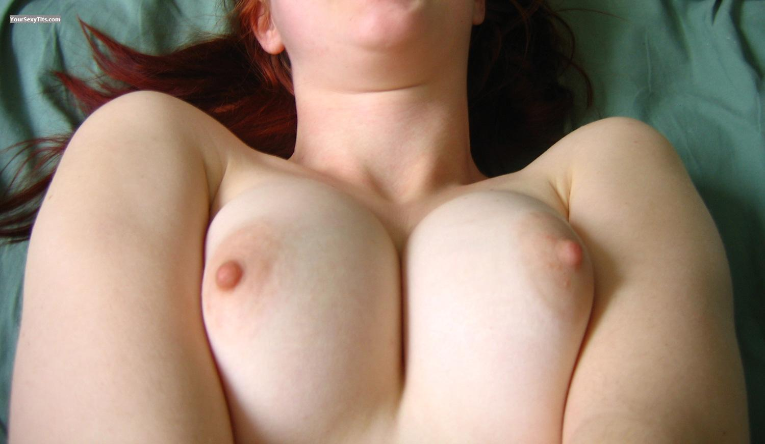 Medium Tits Carmen