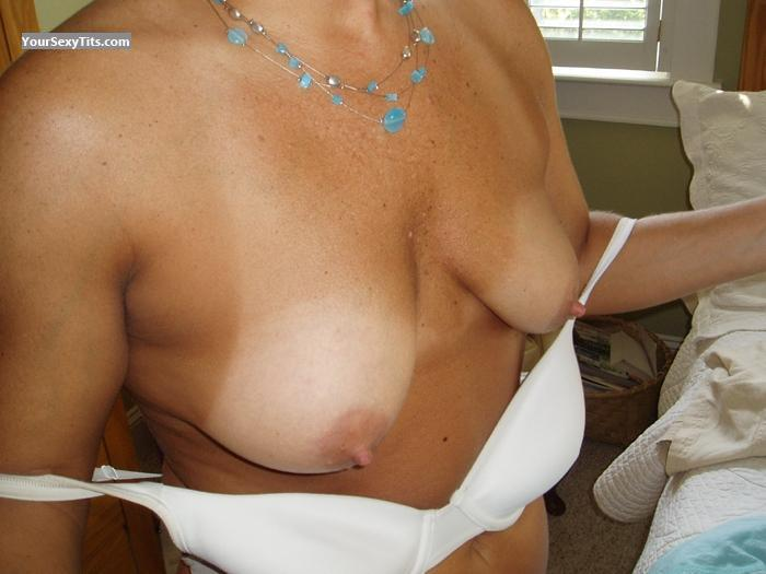 Medium Tits Garner's Wife