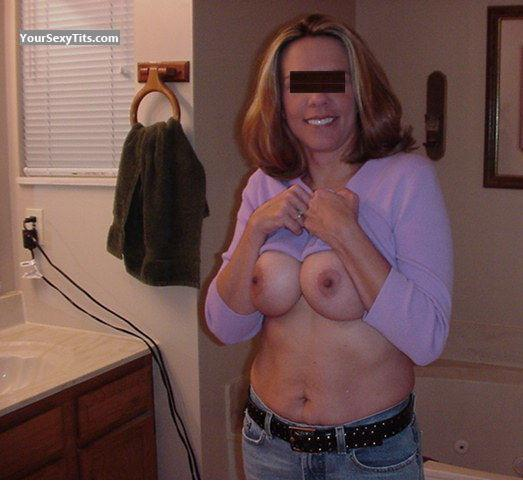 Tit Flash: Wife's Medium Tits - Hot Mom from United States
