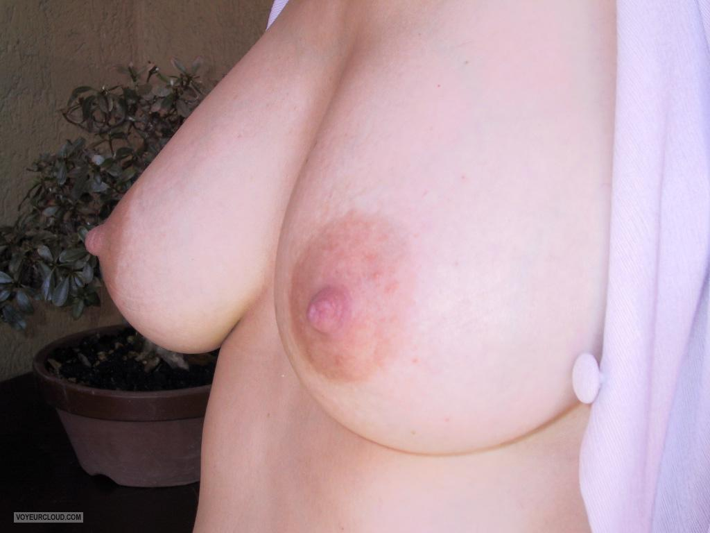 Tit Flash: Wife's Big Tits - Sandra from Italy