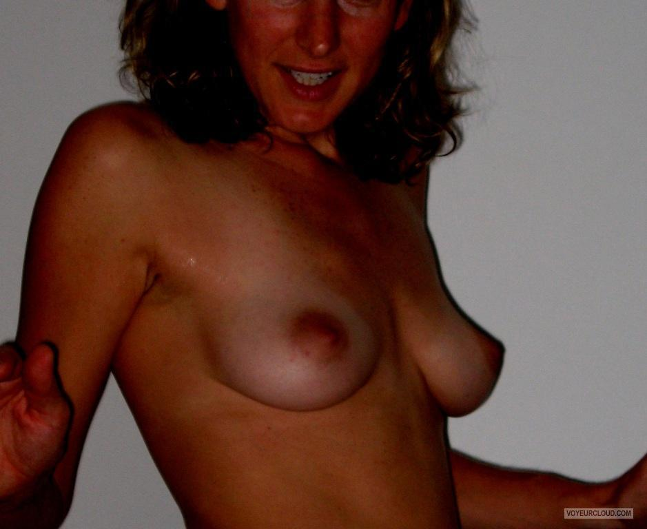 Medium Tits Of A Friend Jenny