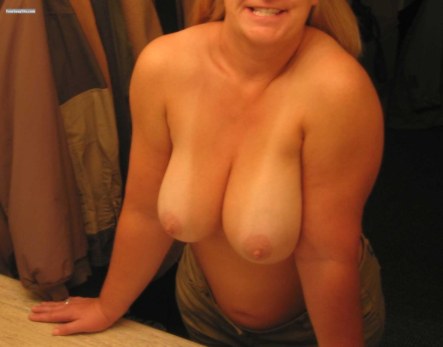 Medium Tits Of A Friend Faans Flasher