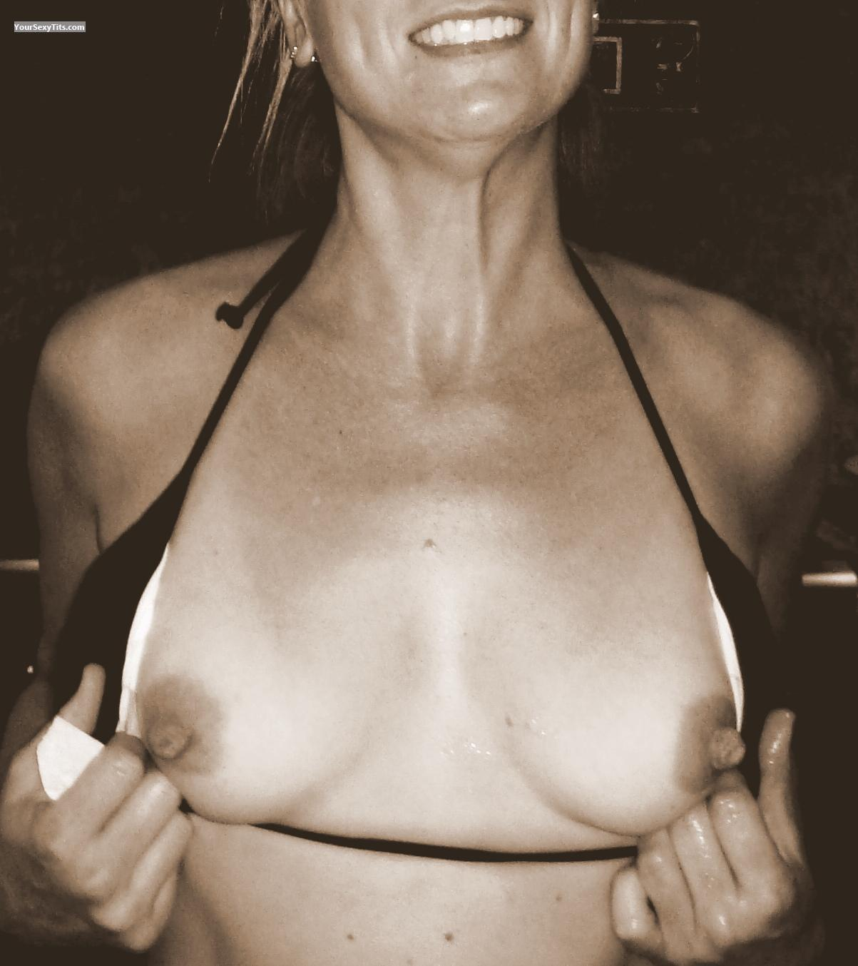 Tit Flash: Medium Tits - Sue72 from United States