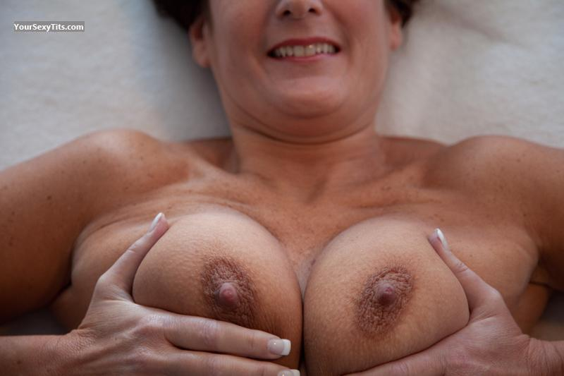 natural tits esposa