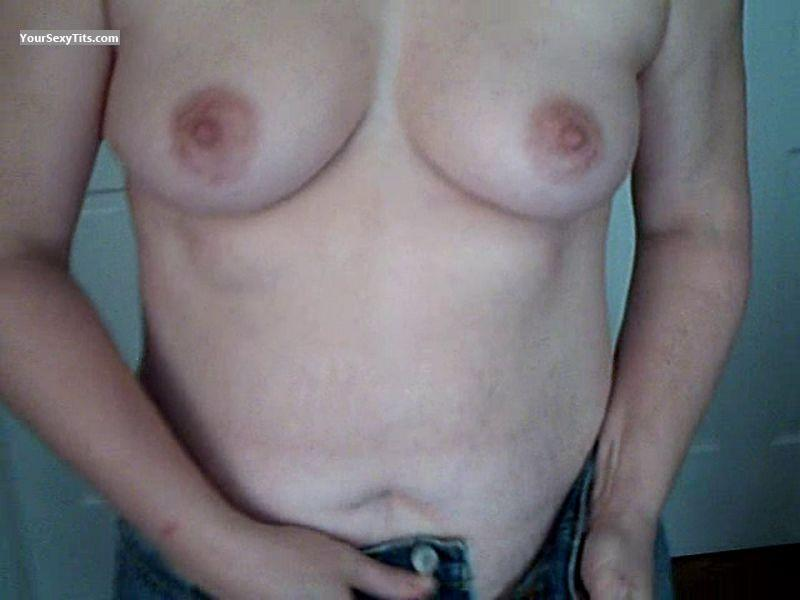 Tit Flash: Medium Tits - Lady from United States