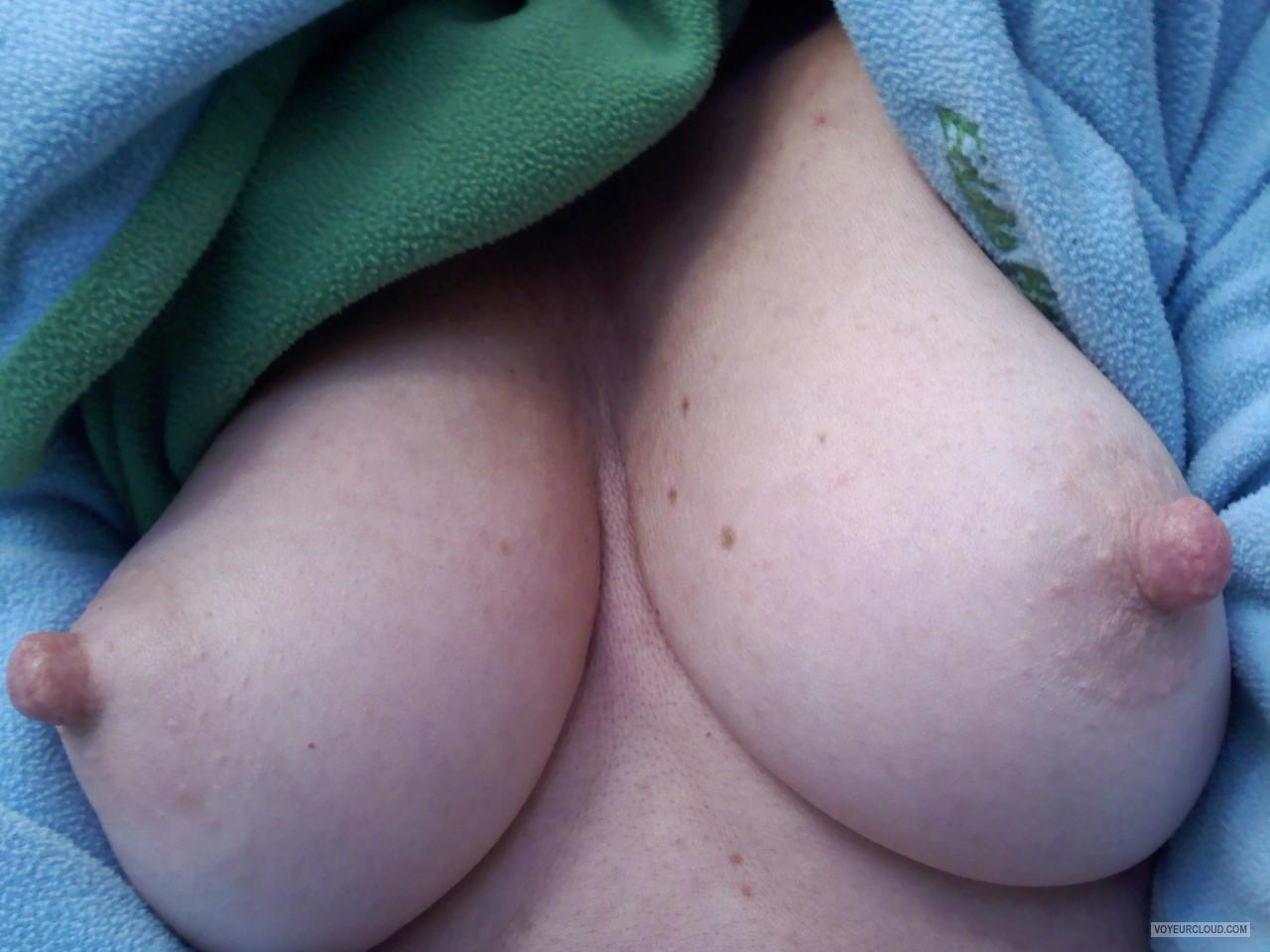 Tit Flash: Wife's Medium Tits - Nice2c from United States