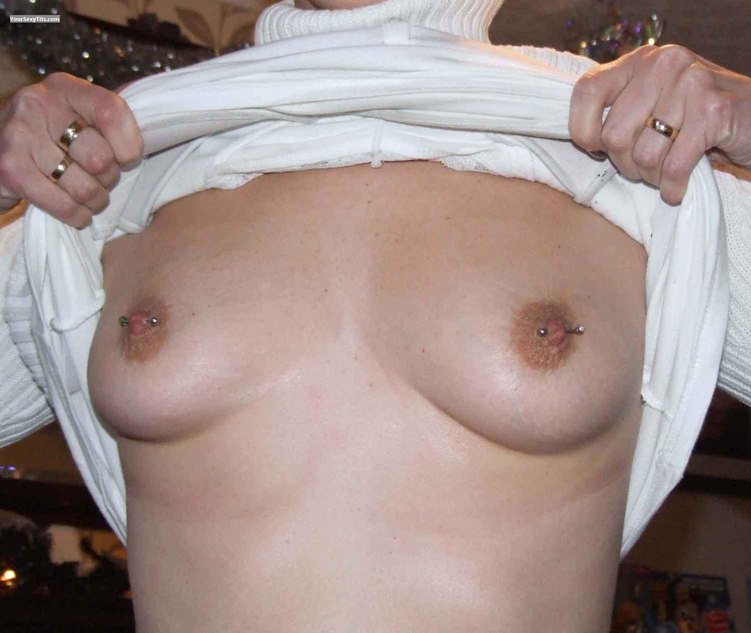 Medium Tits Suezisue