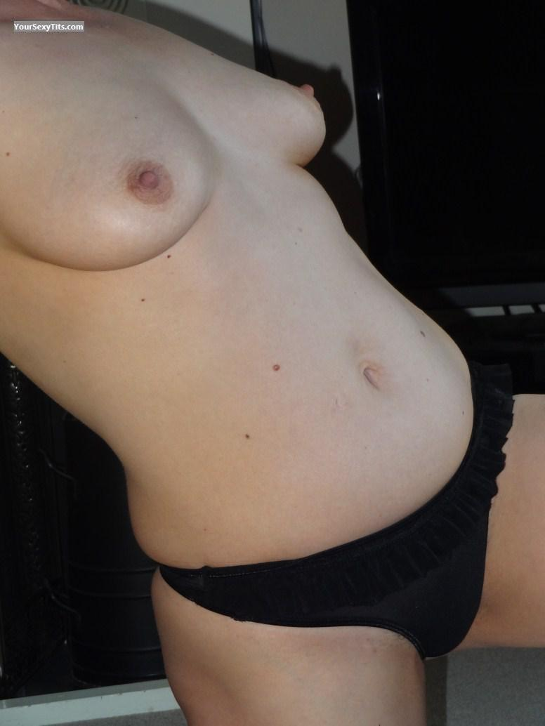 Tit Flash: Girlfriend's Medium Tits - Keysmilf from United Kingdom