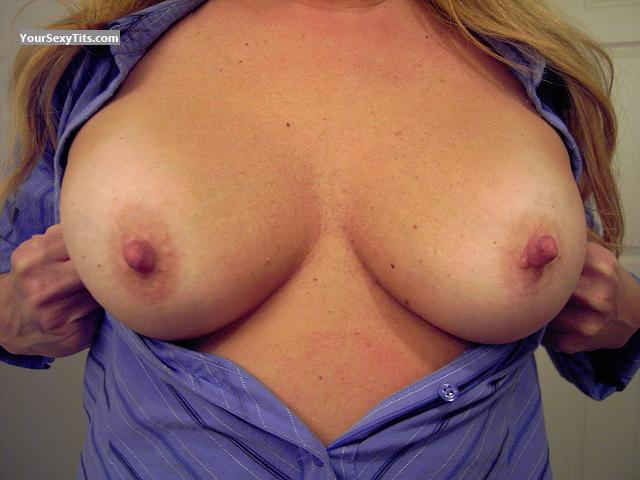 Medium Tits TNT