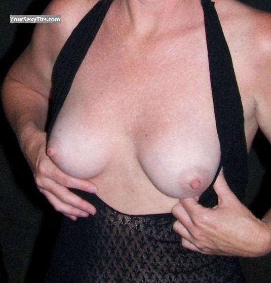 Tit Flash: Medium Tits - Mitz from United States
