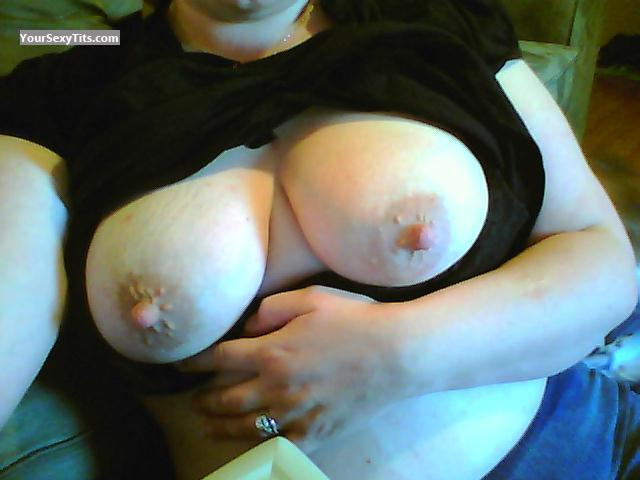 Medium Tits Of My Wife Mel