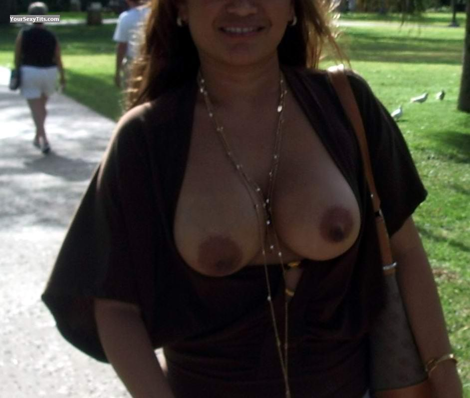 Tit Flash: Medium Tits - Inday from United States