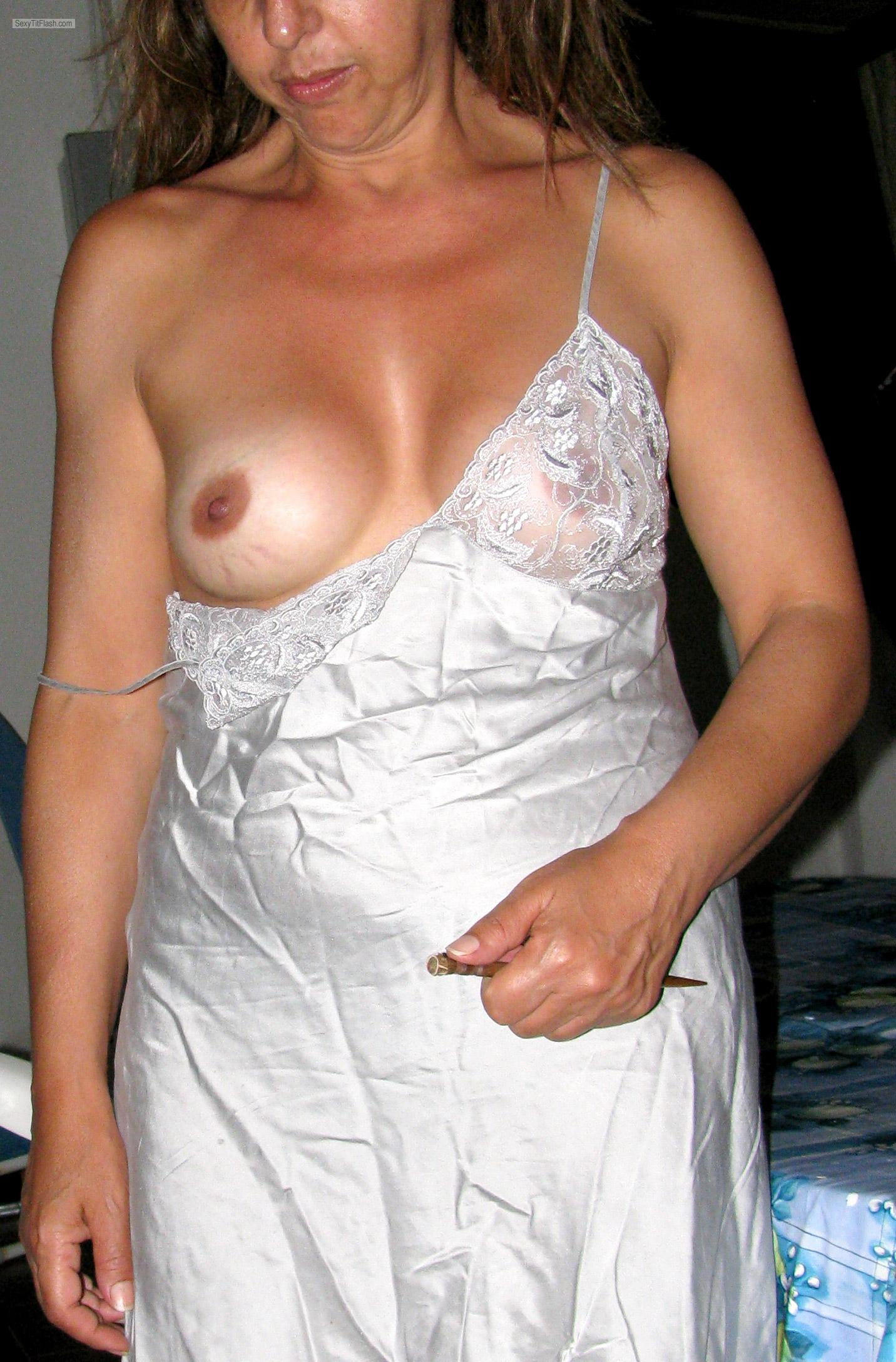 Small Tits Of My Wife MoglieNuda