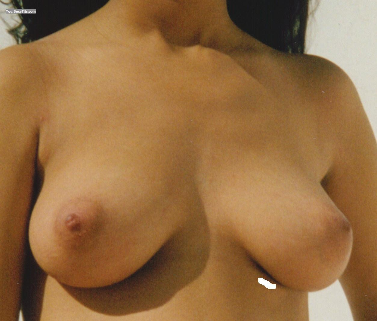Medium Tits Hi