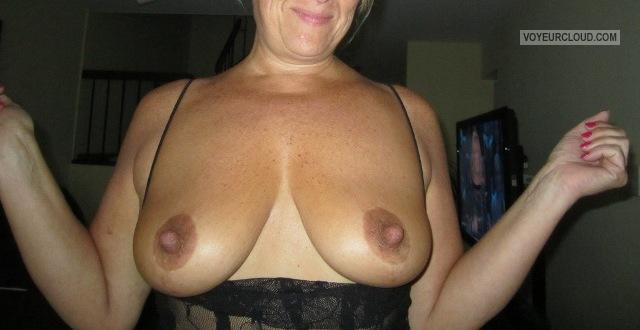 Medium Tits Of My Wife Juicy