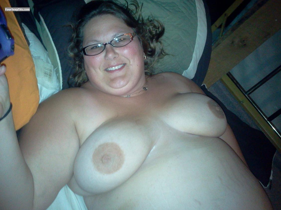 Tit Flash: Medium Tits - Topless Amy from United States