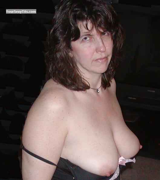 Medium Tits Topless Swingslut64