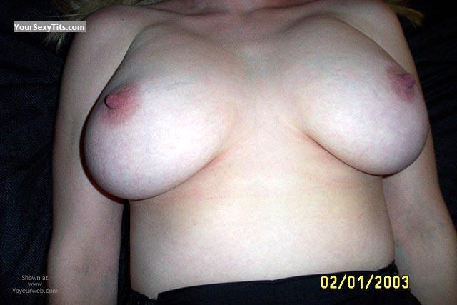 Tit Flash: Medium Tits - Kim from United States