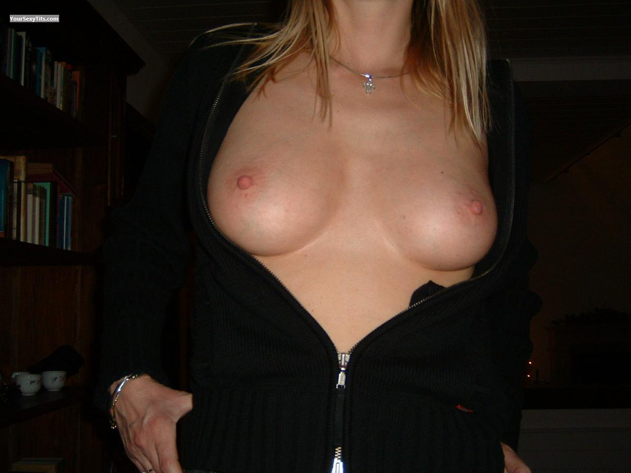 Tit Flash: Medium Tits - Mehin from United Kingdom