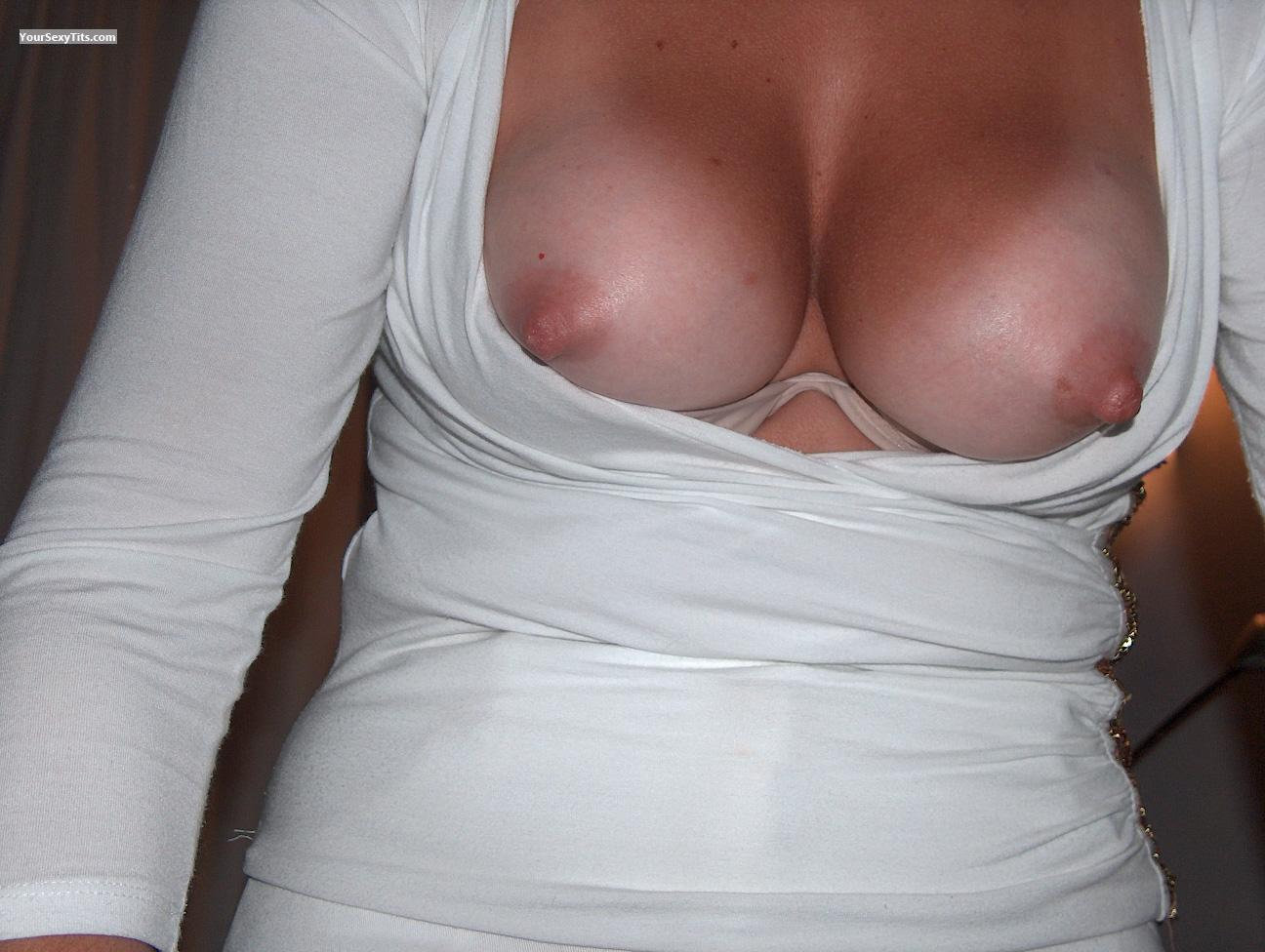 Medium Tits Eva