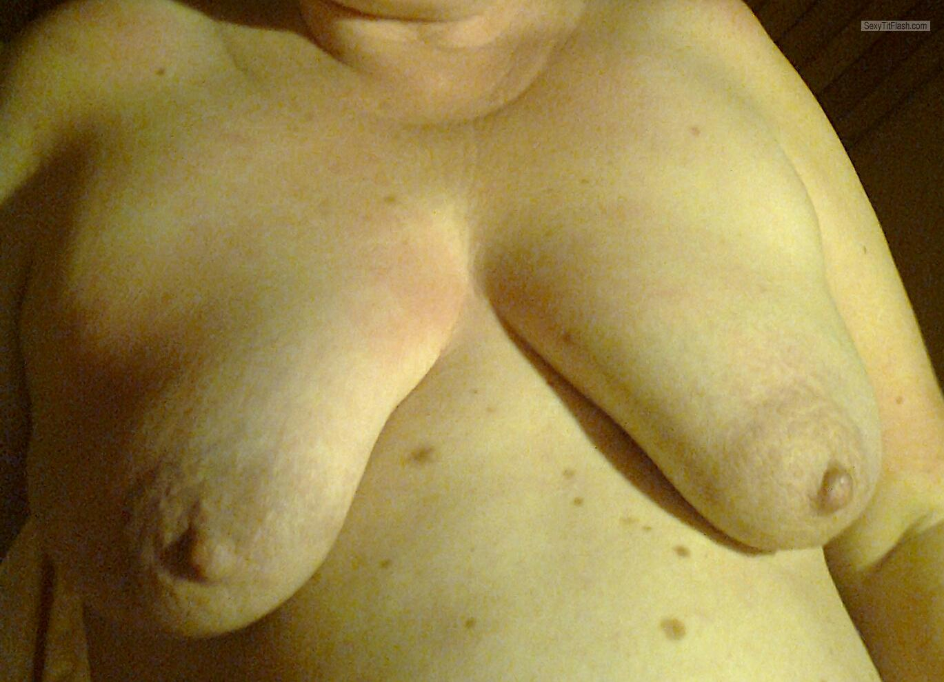 Tit Flash: My Medium Tits - Susi from Germany