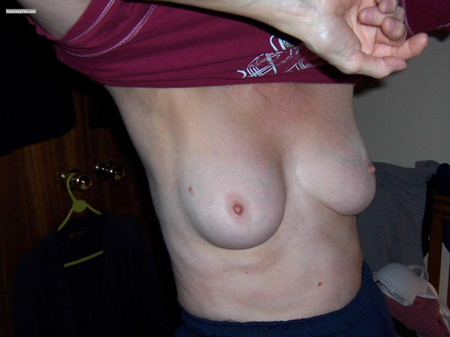 Medium Tits BubblySally