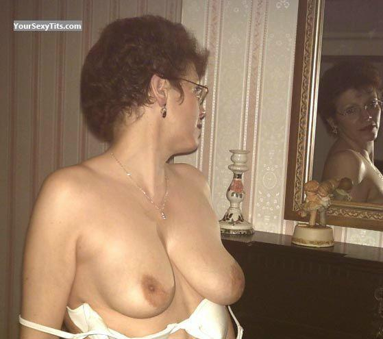 Tit Flash: Medium Tits - Topless Uk Belinda from United Kingdom