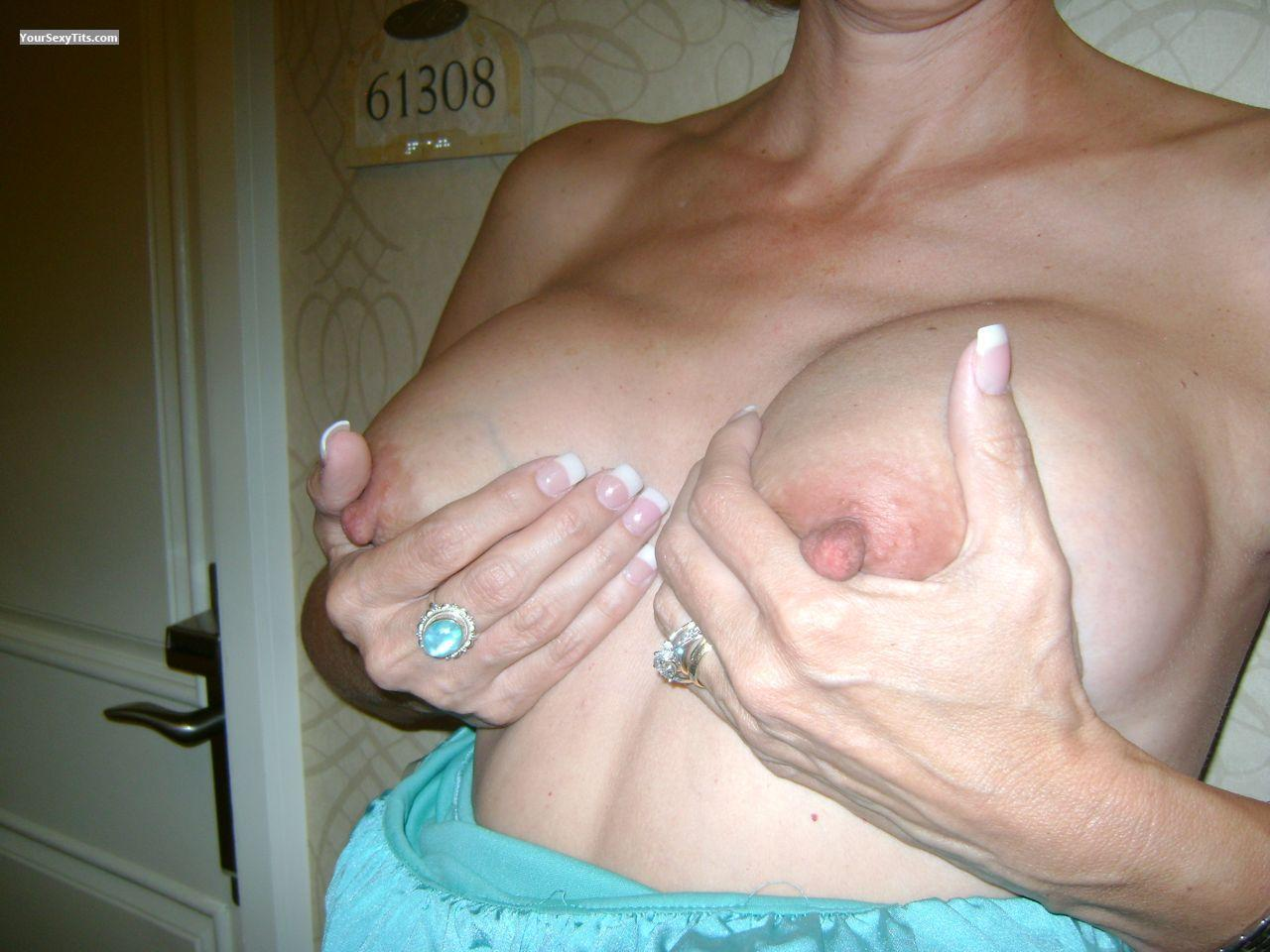 Tit Flash: Medium Tits - Sexy Wife from United States