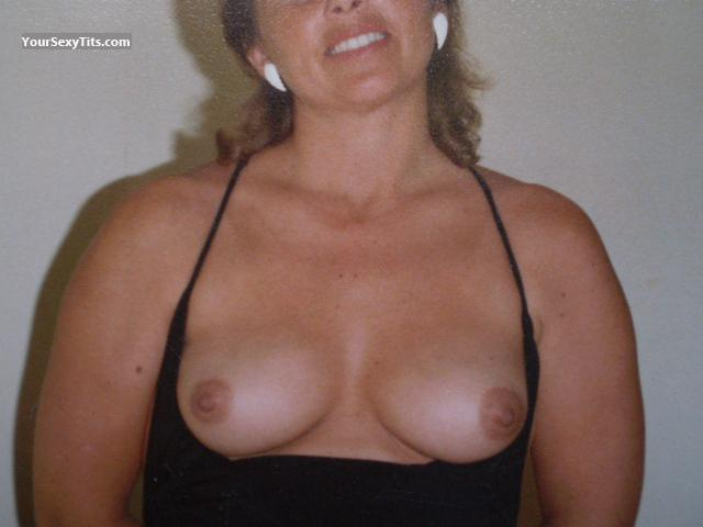 Tit Flash: Medium Tits - Topless Margie from United States