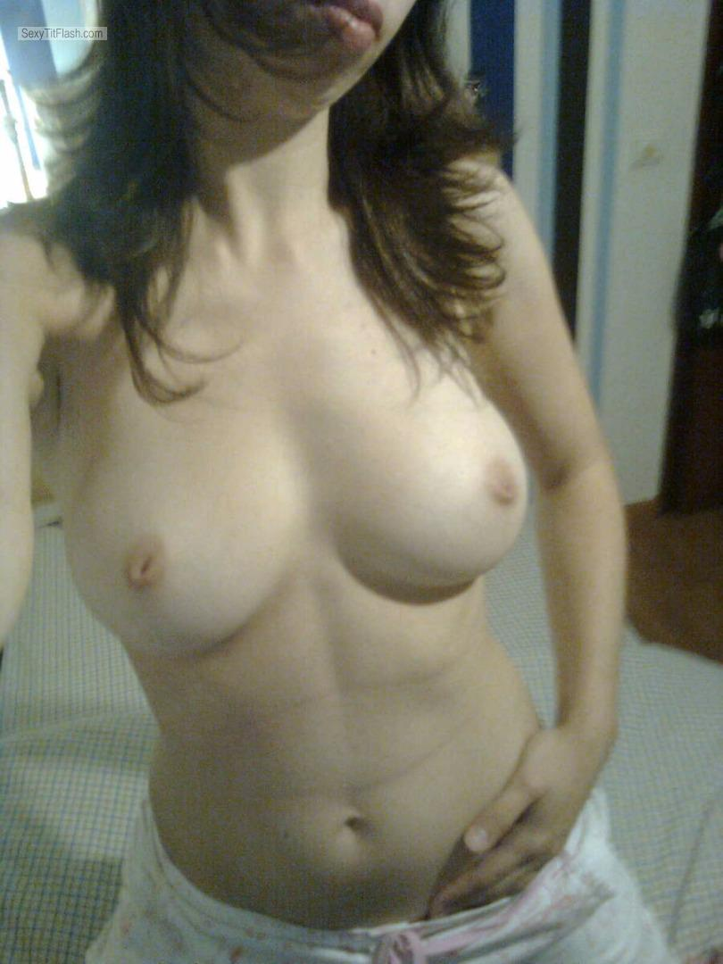 Medium Tits Of My Ex-Girlfriend Topless Selfie by Ana Tits