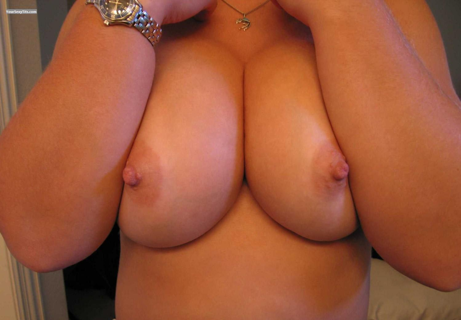 Tit Flash: Big Tits - Faans Flasher from United States