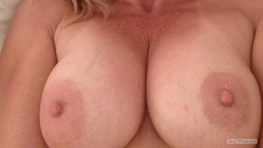 Tit Flash: My Tanlined Medium Tits (Selfie) - Sexytammy from United States