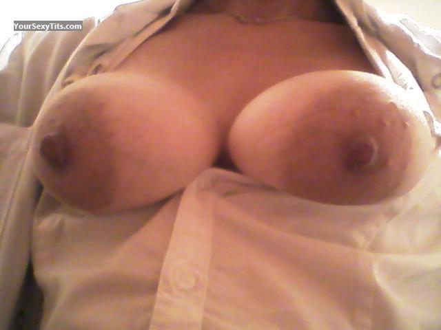 Tit Flash: Medium Tits - Lucie from France