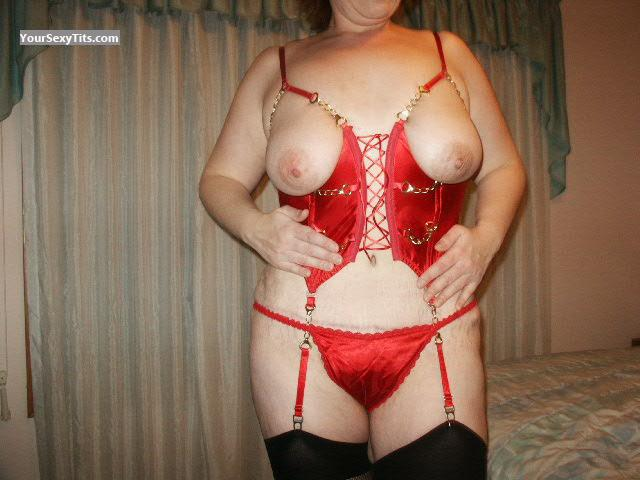 Tit Flash: Medium Tits - Red from United States