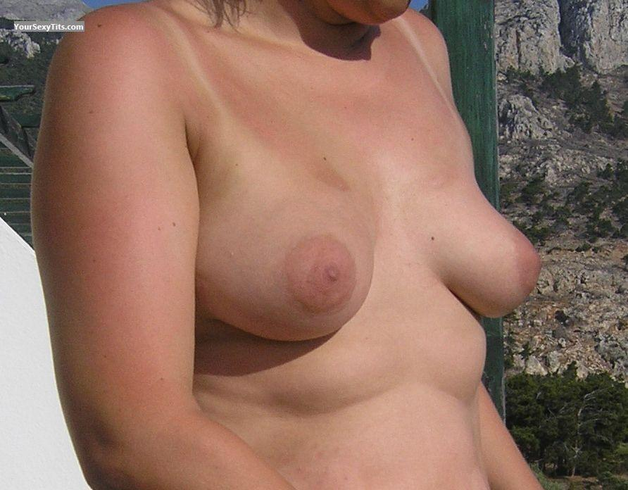 Tit Flash: Medium Tits - Claudia from Germany