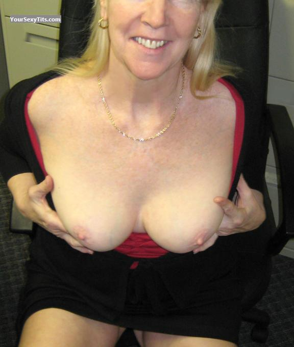 Tit Flash: Medium Tits - Eve from United States
