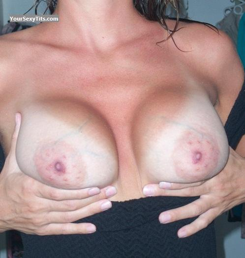 Tit Flash: Medium Tits - Jess from France