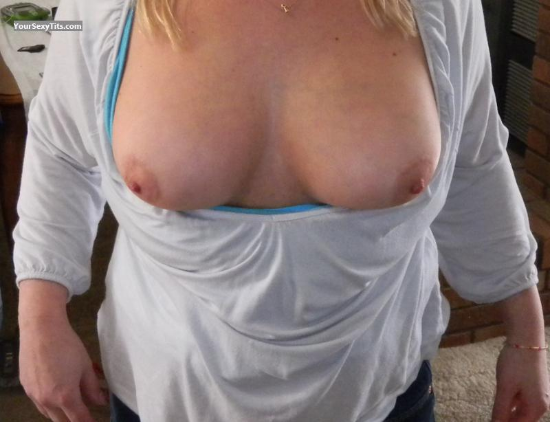 Medium Tits Liz