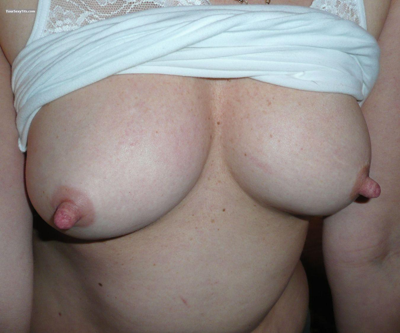Tit Flash: Medium Tits - Tontoblue from United Kingdom