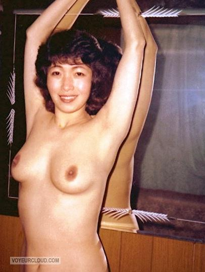 Tit Flash: Wife's Medium Tits - Topless Suki from United States