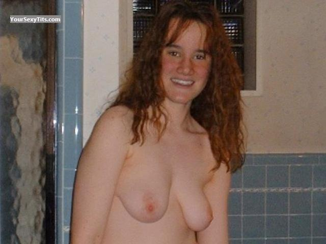 Medium Tits Topless Lisa